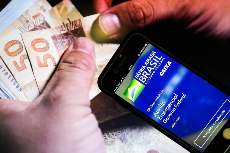 Confira calendário de pagamento e saque da terceira parcela do auxílio emergencial de 2021para público geral e beneficiários do Bolsa Família (Foto: Marcello Casal JrAgência Brasil)