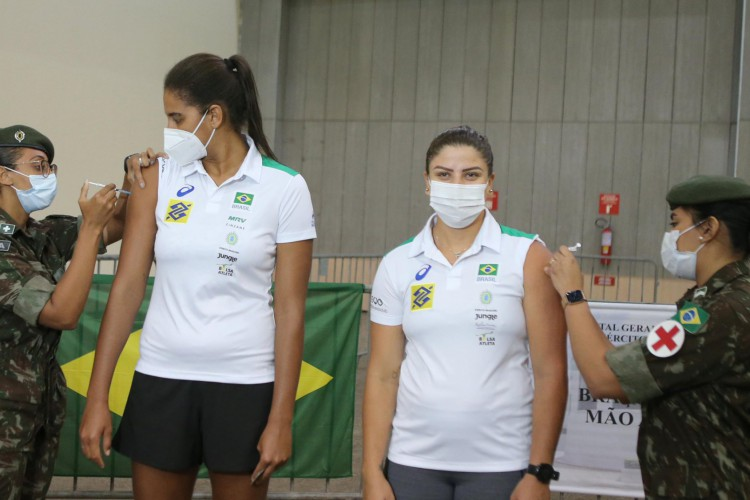 Atletas que vão representar o Brasil nas Olimpíadas de Tóquio são vacinados em Fortaleza (Foto: Reprodução/Instagram/Sarto)
