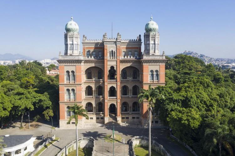 Tomana aérea da fachada e terraço do Castelo. (Foto: Leonardo Oliveira/FioCruz)