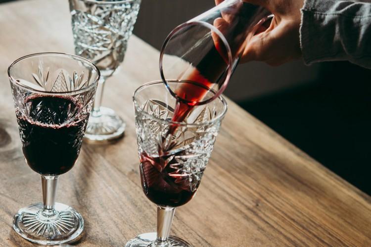 Wine trabalha com vendas de vinho pela internet (Foto: Reprodução do Facebook)