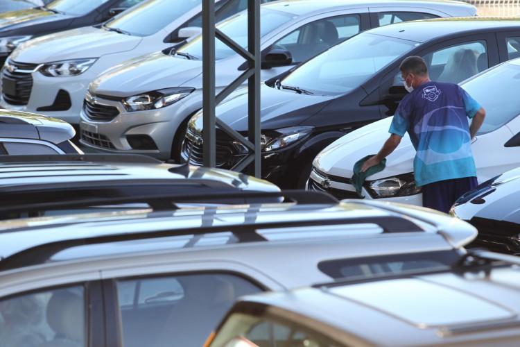 Aumento nas vendas de veículos no Ceará foi superior ao observado em 2020 (Foto: FABIO LIMA)
