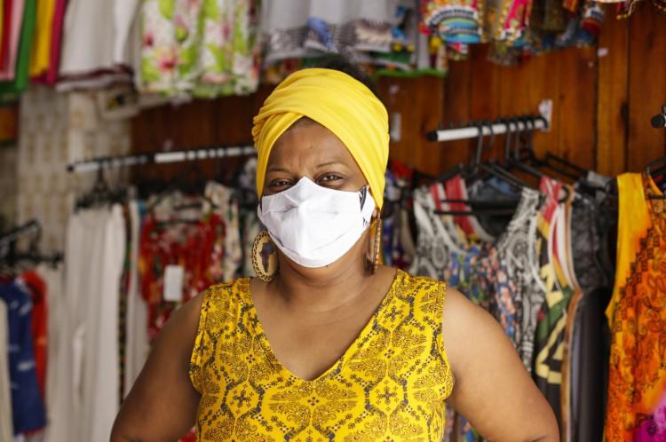 Aliciane Barros, 38 anos, afroempreendedora e coordenadora da Feira Negra em Fortaleza(Foto: Thais Mesquita)