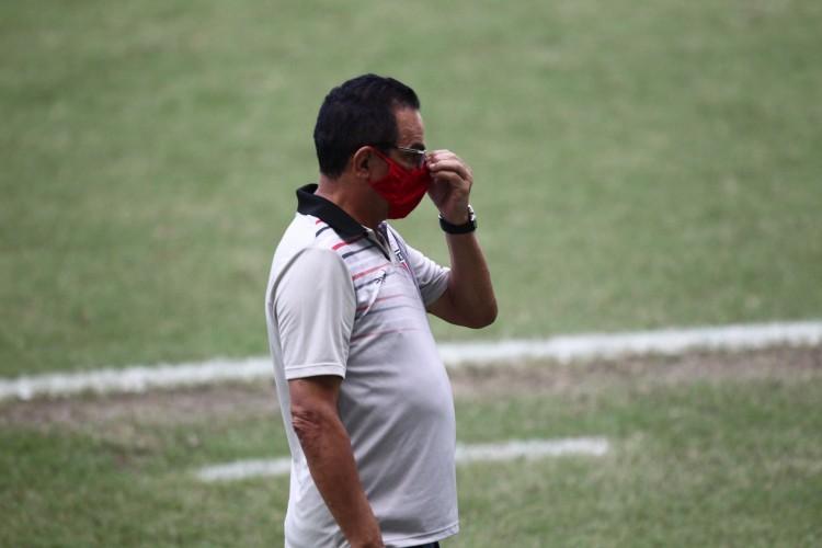Francisco Diá prepara Ferroviário para estrear com vitória no Campeonato Brasileiro da Série C (Foto: FABIO LIMA)