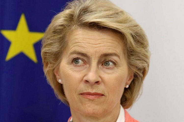 UE e China prometem doar vacinas e apoiar paises em desenvolvimento (Foto: )