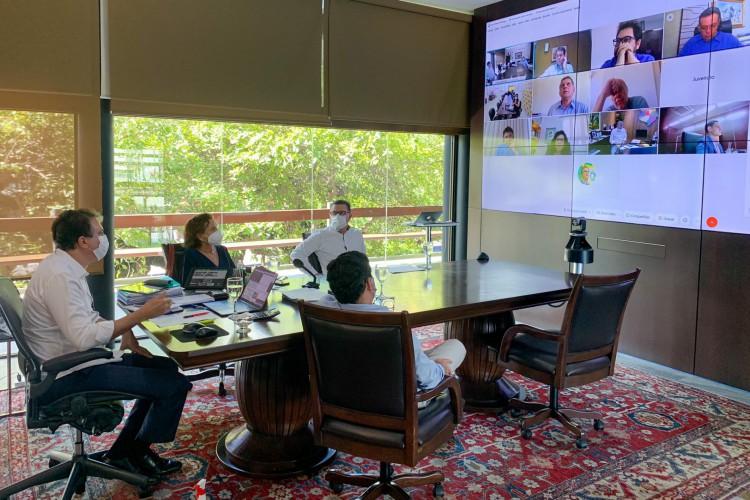 Comitê Estadual de Enfrentamento à Coivd-19 se reuniu para deliberar sobre decreto de isolamento no início da tarde desta sexta-feira, 21 (Foto: Reprodução/Twitter)