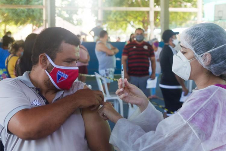 A Capital cearense está na quarta fase de imunização contra o coronavírus (Foto: Fernanda Barros)