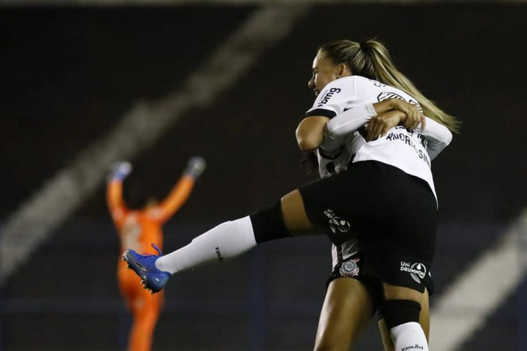 Corinthians vence e mantém liderança no Brasileiro Feminino (Foto: )