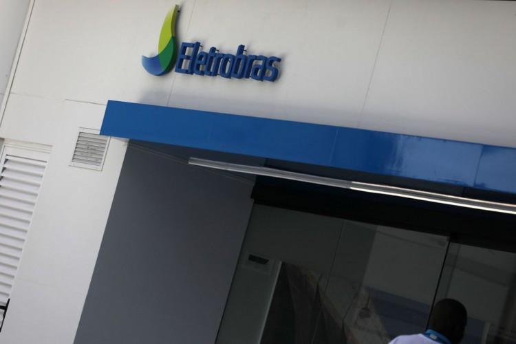 Fachada de um prédio da Eletrobras. (Foto: REUTERS/Pilar Olivares/Direitos Reservados)