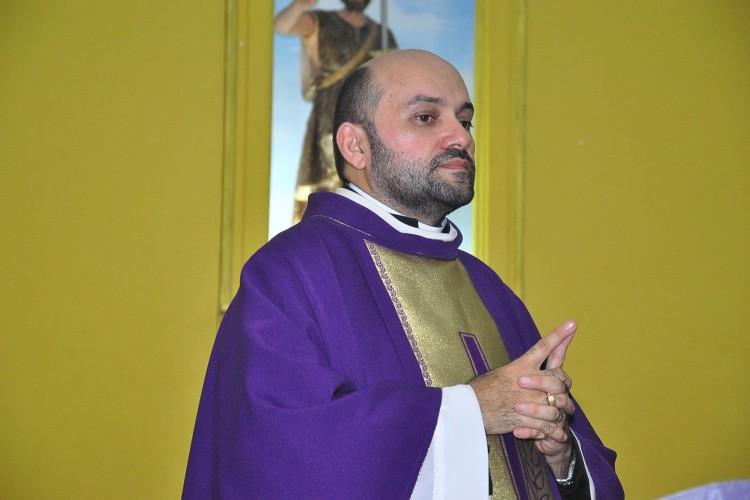 Em 2016, Mailson atuou como pároco da Paróquia de Aranaú, no município de Acaraú.  (Foto: Divulgação/Diocese de Sobral)