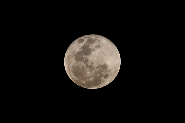 FORTALEZA,CE, BRASIL, 26.05.2021: Super lua vista do bairro José de Alencar. (Fotos: Fabio Lima/O POVO) (Foto: FABIO LIMA)