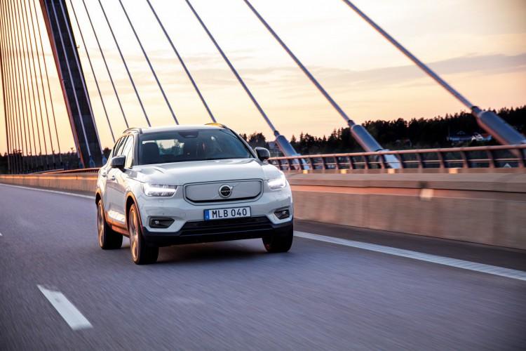 Volvo XC40 Recharge: modelo tem 408hp de potência e mais de 400 quilômetros de autonomia (Foto: Divulgação/Volvo)