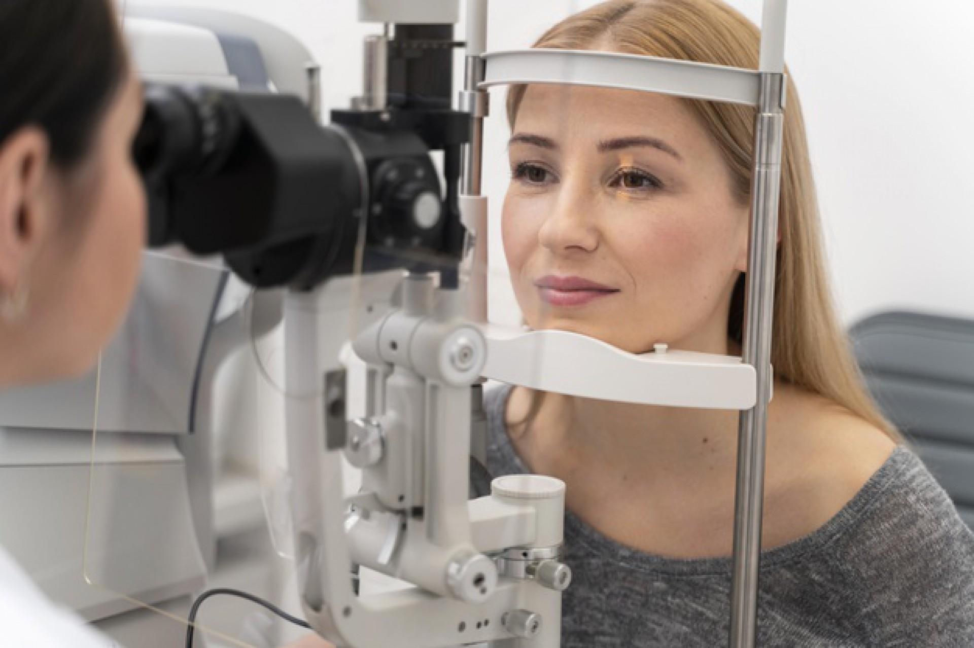 A doença é caracterizada pelo aumento da pressão do olho, sendo um problema geralmente silencioso e, por isso, não percebido, acarretando à perda progressiva da visão (Foto: Reprodução/Freepik)