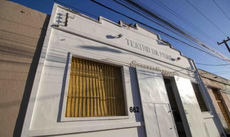 Após desabamento e pedido do proprietário, Teatro da Praia mudará de endereço