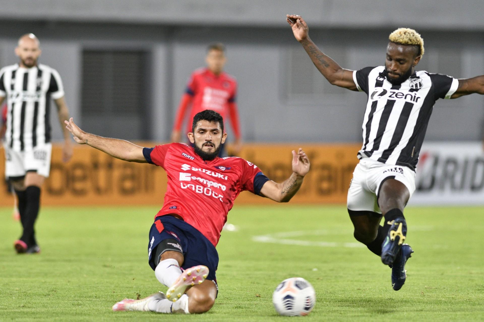 Ceará perdeu por 1 a 0 para o Jorge Wilstermann e se despediu da Sul-Americana (Foto: AIZAR RALDES / AFP)