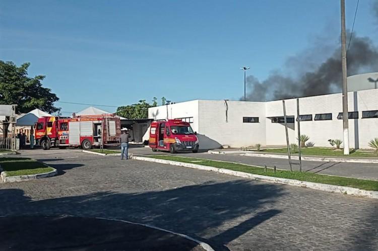 Incêndio em ala Covid de hospital na Zona Norte de Aracaju.