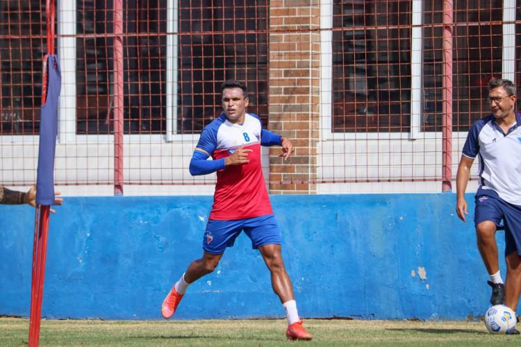 Ex-Coritiba, principal rival do Furacão, Robson já jogou bastante na Arena da Baixada (Foto: Leonardo Moreira/Fortaleza EC)
