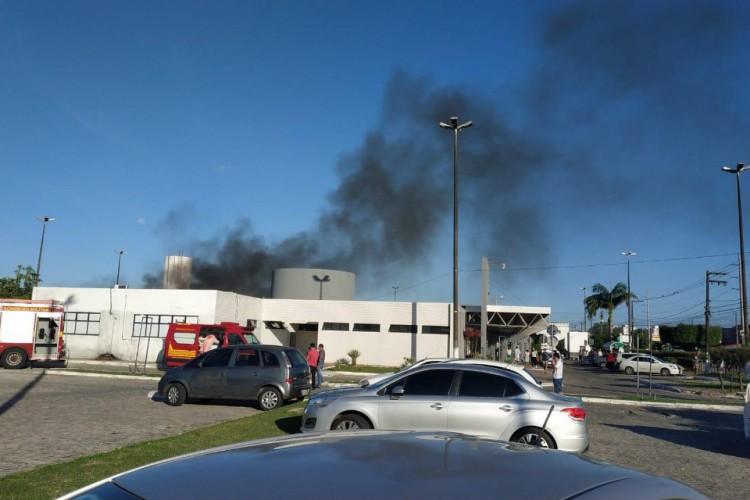 Incêndio em ala Covid de hospital na Zona Norte de Aracaju. (Foto: Reprodução/Twitter)
