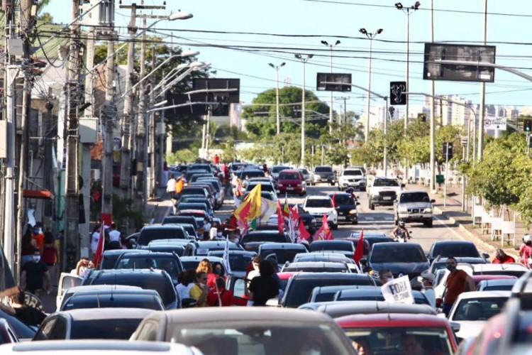 Grupo realiza manifestação contra o presidente Jair Bolsonaro (Foto: Fábio Lima)
