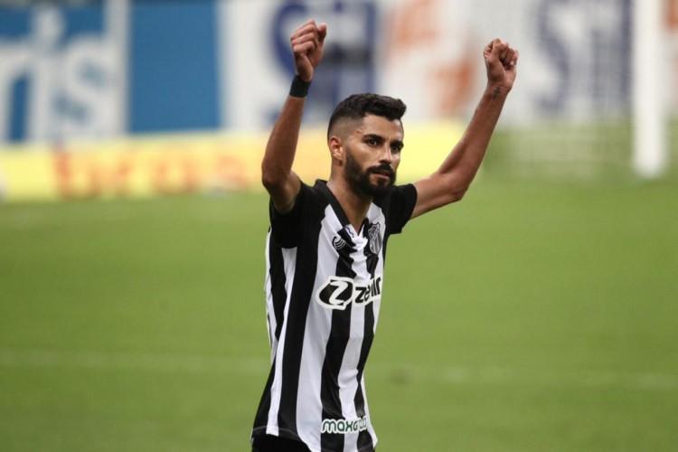 Jorginho foi o autor do gol da vitória do Ceará sobre o Grêmio, pela estreia do Campeonato Brasileiro 2021 (Foto: Fábio Lima/O POVO)