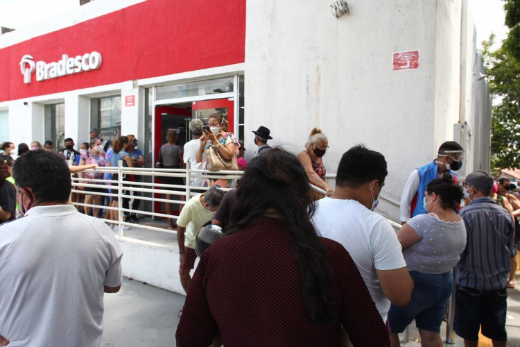 As aglomeração foram denunciadas pelas redes sociais (foto ilustrativa) (Foto: FABIO LIMA)