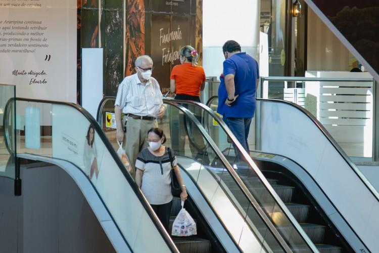 Consumidor mais confiante (Foto: Aurelio Alves)