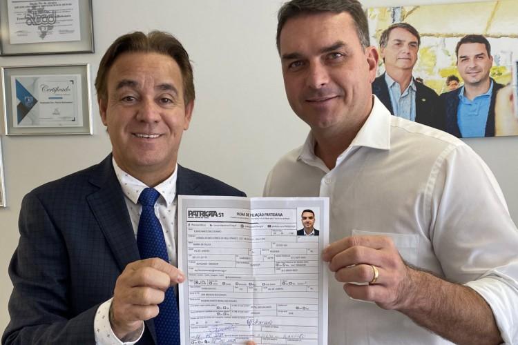 Flávio Bolsonaro anuncia filiação ao Patriota (Foto: Reprodução/Twitter)