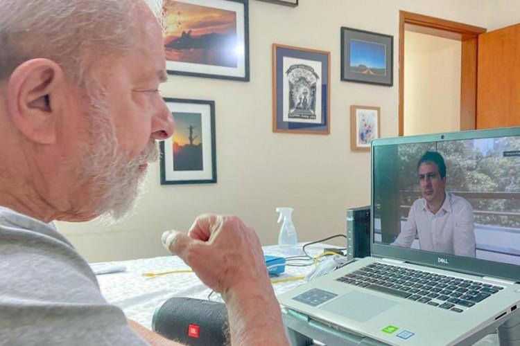 Lula se reuniu nesta segunda, 31, com o governador Camilo Santana  (Foto: Reprodução/Twitter)