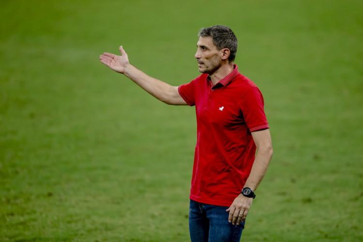 Vojvoda diz que funcionamento da equipe em campo é o mais importante e lamenta que gol não tenham saído (Foto: Aurelio Alves)