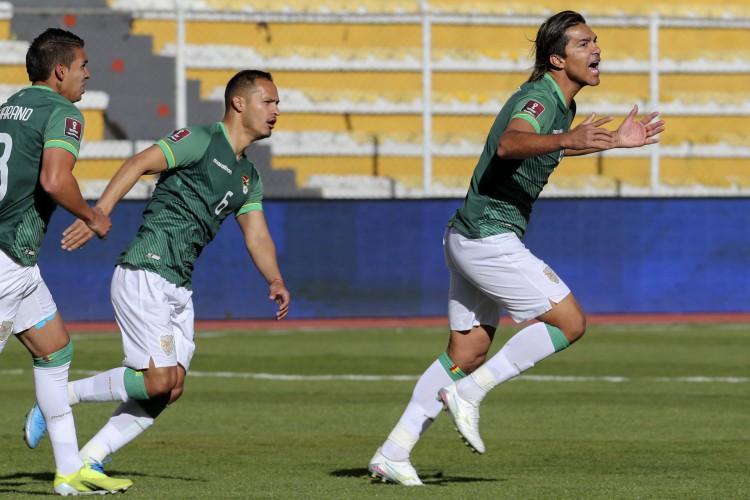 Marcelo Moreno marcou dois gols e tirou Bolivia da lanterna das Eliminatórias para a Copa do Mundo.  (Foto: Conmebol/ Twitter)