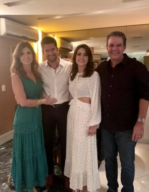 Paulo José e Camila entre a irmã dele Inezinha e Vicente de Castro