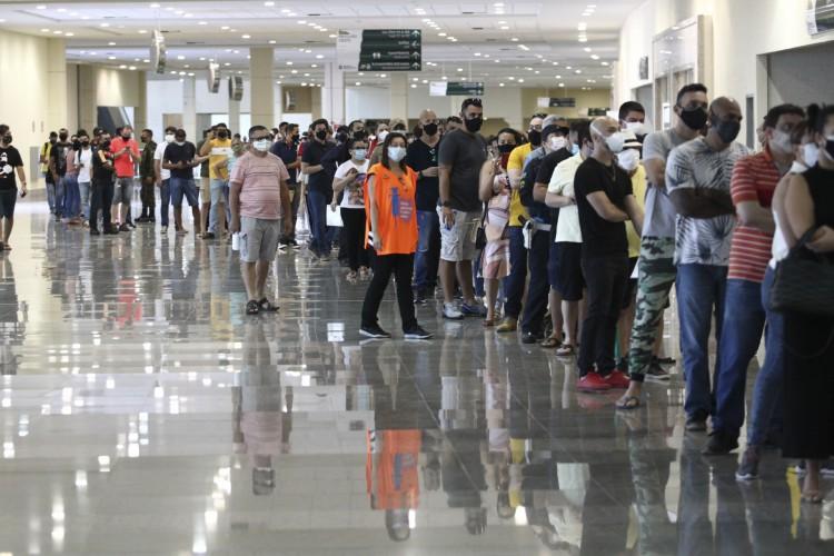Nas últimas 24 horas, 38 mil pessoas receberam a D1 no Estado (Foto: FABIO LIMA)