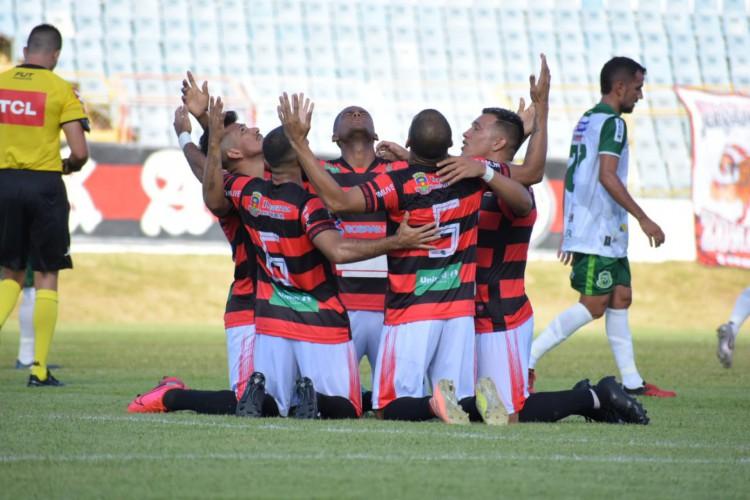 Jogadores do Guarany de Sobral comemoram vitória na estreia da Série D (Foto: Amaral Torquato / Guarany de Sobral)