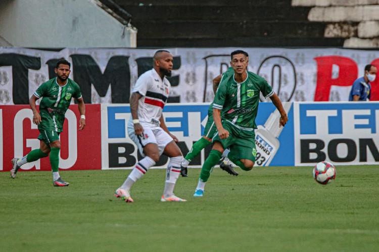 Santa Cruz e Floresta se enfrentaram neste sábado, 5, no estádio Arruda, em Recife.  (Foto: Ronaldo Oliveira / Floresta EC)