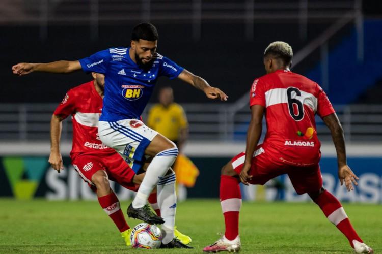 Após tropeços, Cruzeiro e CRB buscam primeira vitória na Série B (Foto: )