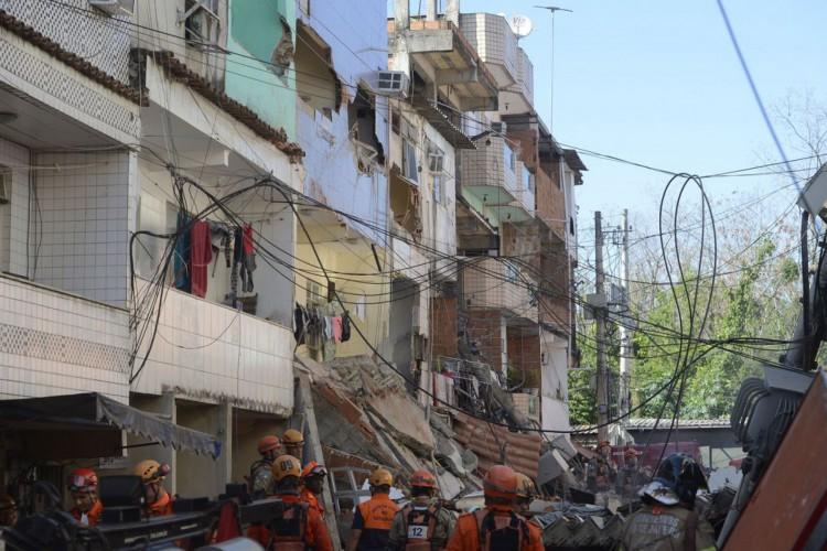 Prédio de quatro andares desaba em Rio das Pedras, zona oeste do Rio de Janeiro. (Foto: Tomaz Silva/Agência Brasil)