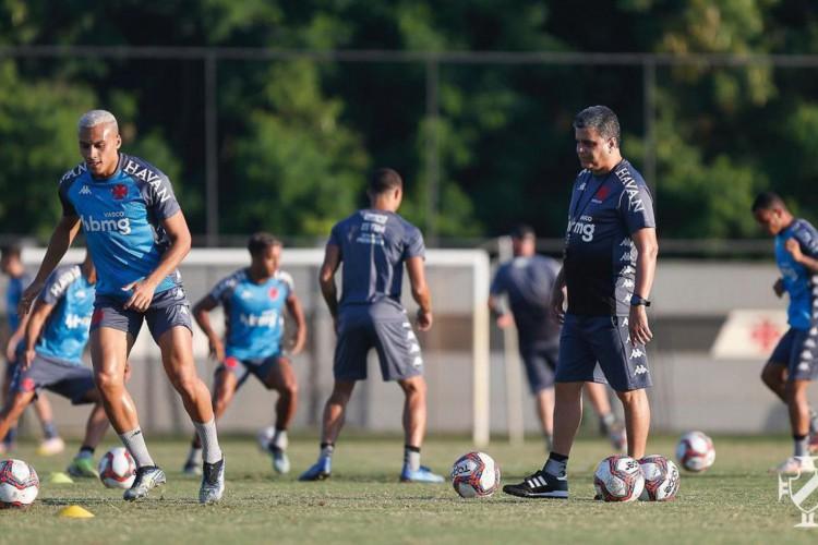 Contra Ponte Preta, Vasco busca primeira vitória na Série B (Foto: )