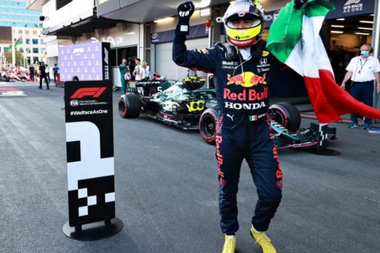 Com a vitória em Baku, Perez é o terceiro colocado na disputa do mundial  (Foto: F1/divulgação)