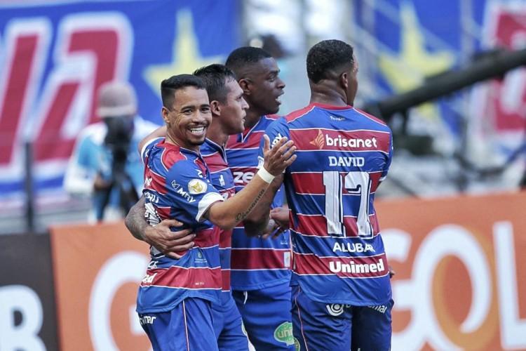Fortaleza goleia Internacional por 5 a 1 na Arena Castelão (Foto: Aurélio Alves )