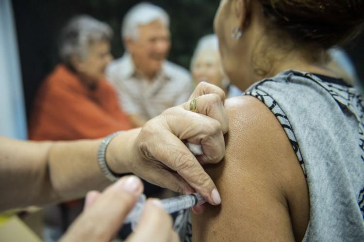 Campanha de Vacinação contra Gripe. (Foto: Marcelo Camargo/Agência Brasil)