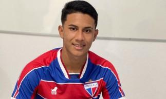 O Fortaleza contratou o volante Ronald Manaus para a equipe sub-17 (Foto: Divulgação/Fortaleza EC)