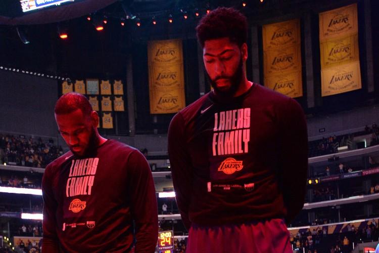 Lebron James e Anthony Davis devem desfalcar o basquete norte-americano nos Jogos Olímpicos (Foto: ANDREW D. BERNSTEIN / AFP)