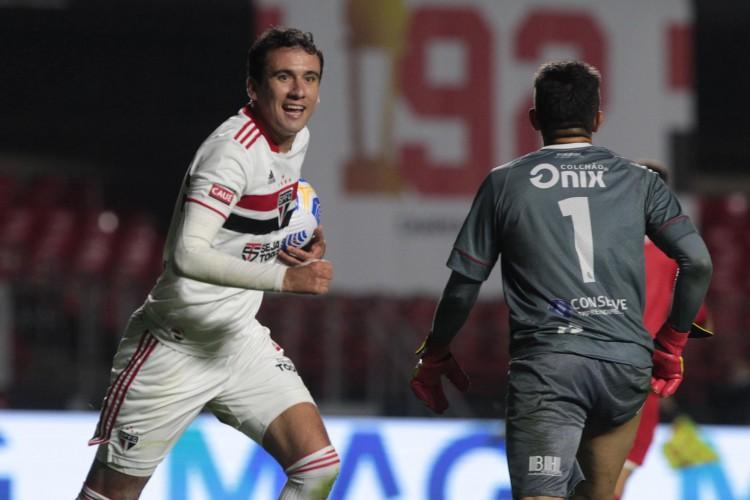 Atacante Pablo comemora gol no jogo São Paulo x 4 de Julho, no Morumbi, pela Copa do Brasil (Foto: Rubens Chiri / saopaulofc.net)