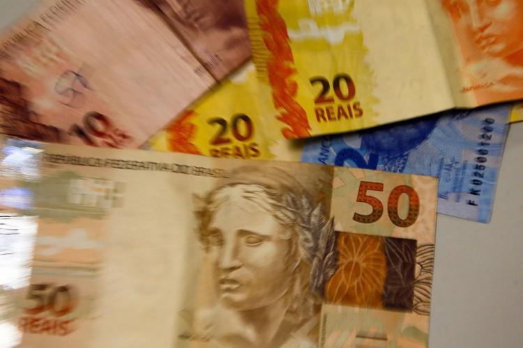 Perto do fim do prazo de saque, abono salarial do Pis/Pasep ainda não foi sacado por cerca de 700 mil brasileiros; saiba como consultar se você tem direito (Foto: Marcello Casal JrAgência Brasil)