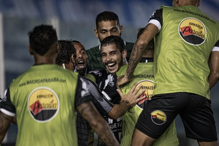 O Botafogo-PB venceu o Paysandu e empatou com Ferroviário e Floresta na ponta do grupo A, todos com quatro pontos (Foto: Talita Gouvêa/ Botafogo)