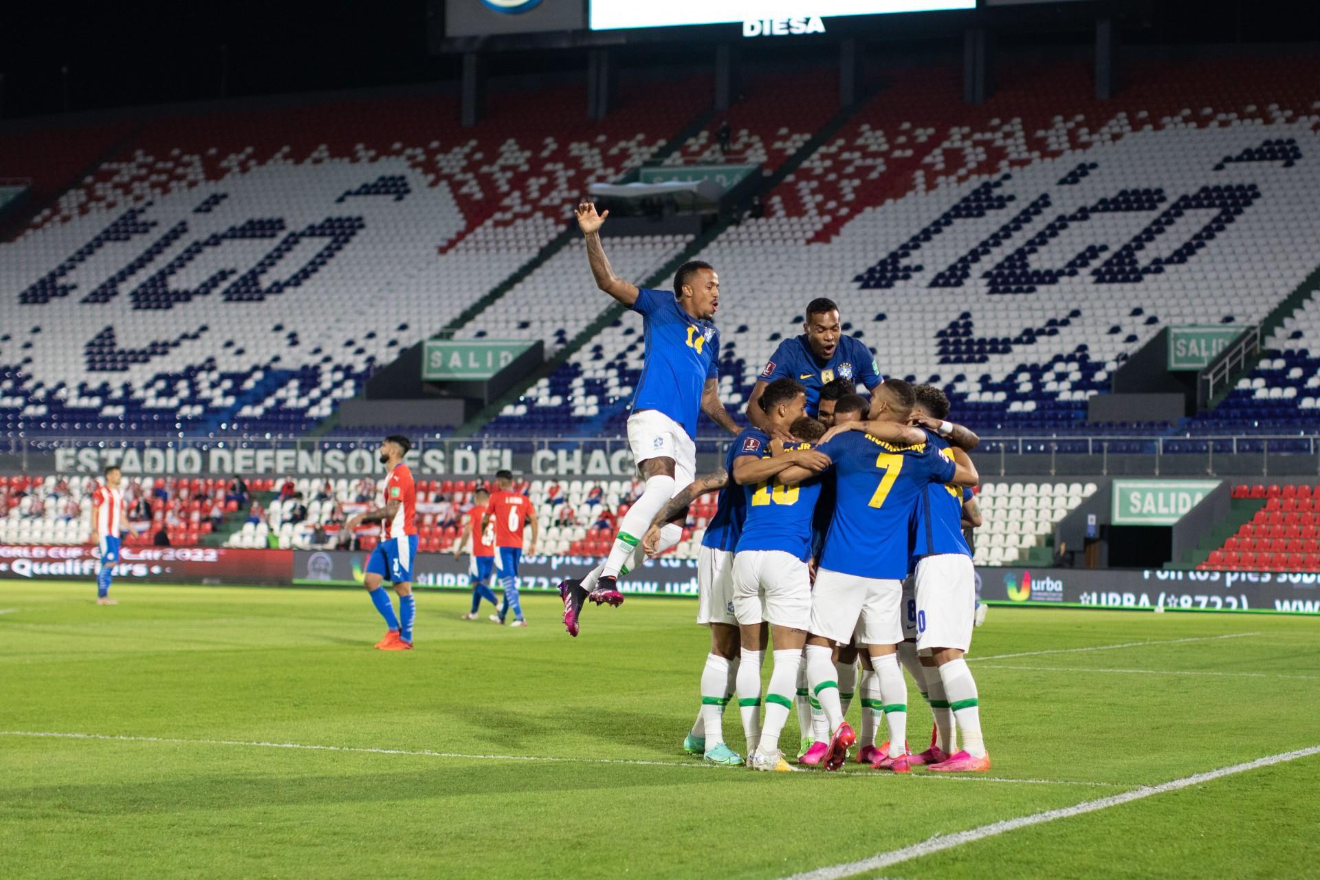 Brasil venceu o Paraguai em Assunção pela primeira vez em 35 anos