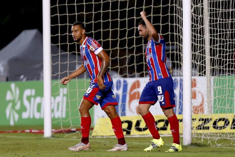 Atacante Gilberto comemora gol no jogo Bahia x Vila Nova, em Pituaçu, pela Copa do Brasil (Foto: Felipe Oliveira/EC Bahia)