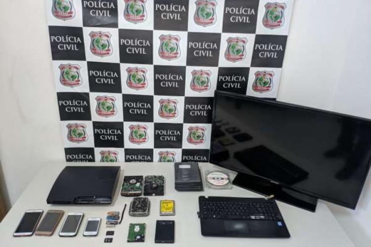 Material apreendido pela polícia será analisado por técnicos da Perícia Forense  (Foto: Divulgação/Polícia Civil)