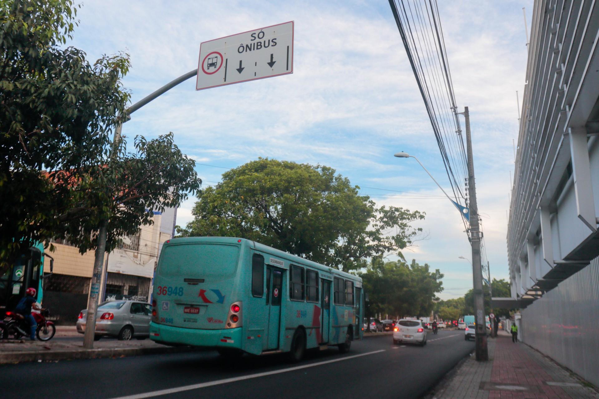 FAIXA exclusiva de ônibus beneficiará passageiros de 51 linhas