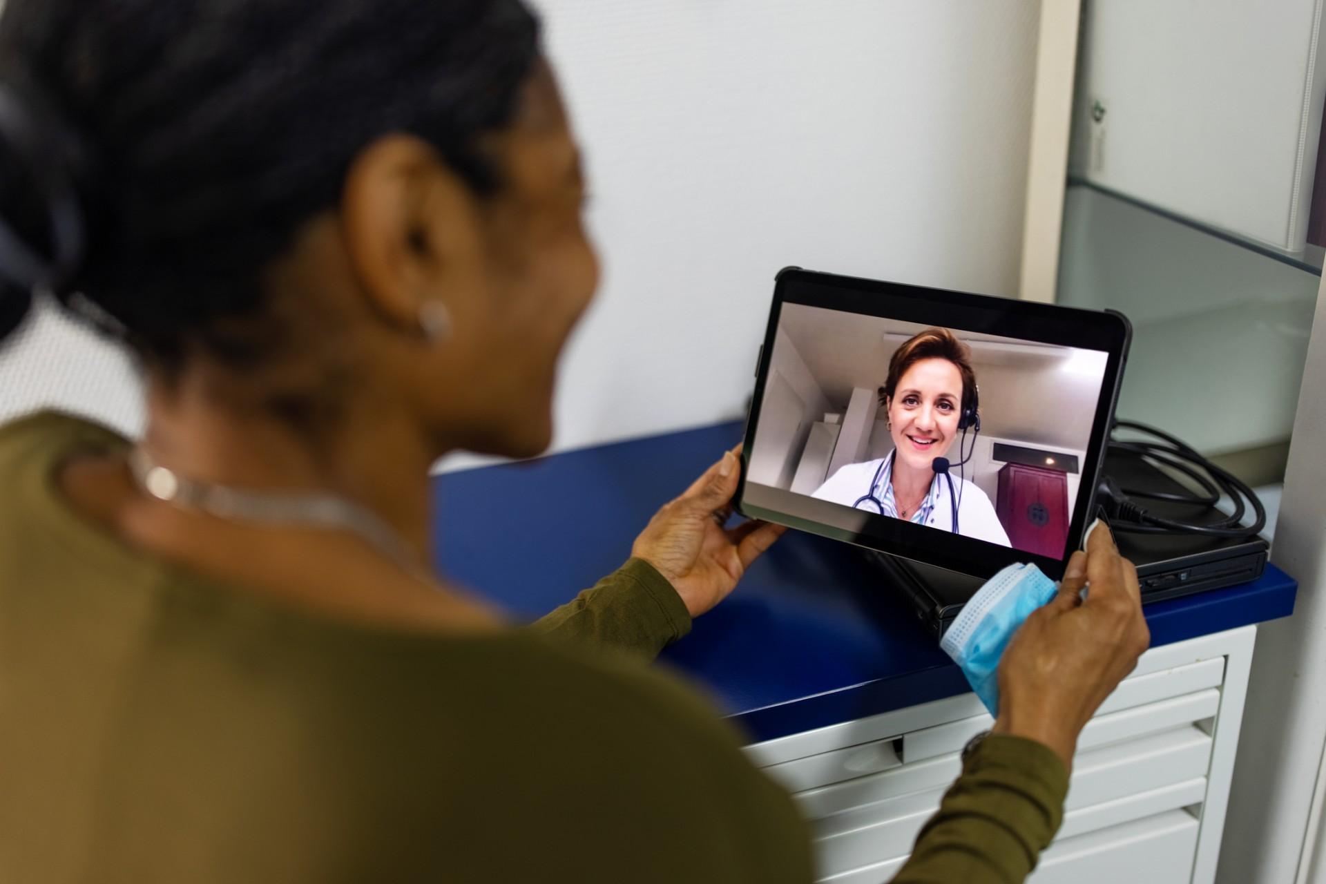 A iniciativa tem como objetivo reduzir o deslocamento e frequência de pacientes às unidades assistenciais de saúde do Estado