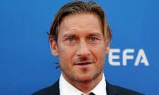 O ex-jogador Francesco Totti participará da abertura da Eurocopa em 2021